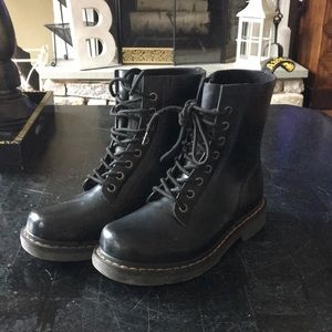 Awesome pair of Dr Martens black rubber boots